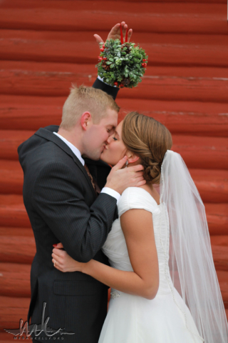 Megan Kelly, Hayden, Courtney, Wedding, LDS, Temple, Pose, Reception, Ring, Decorations, Barn, Winter