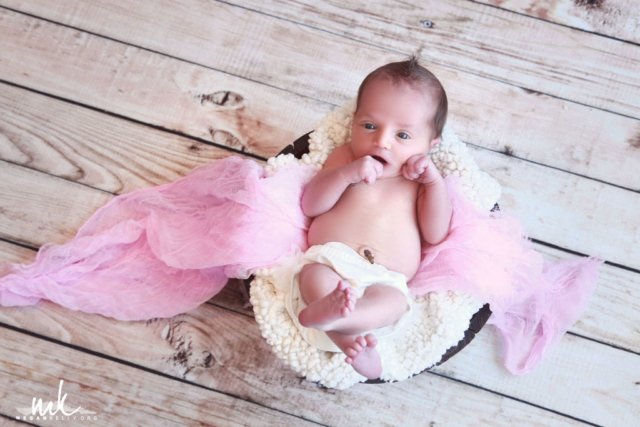 Megan Kelly, newborn, baby, photography, pose, girl, family