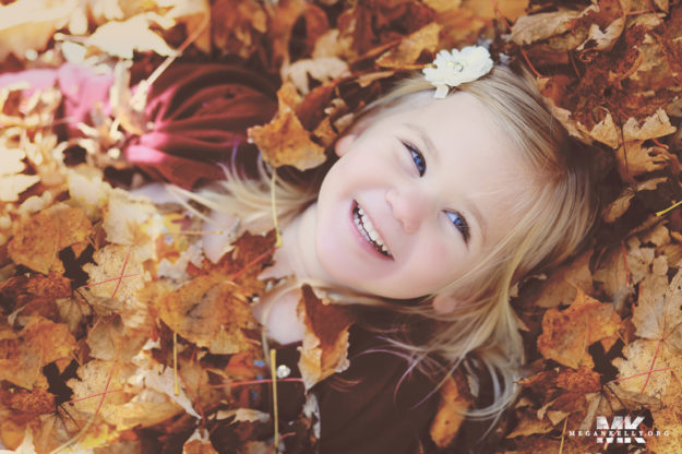 Megan Kelly, Canton, Michigan, Southeast Michigan, Family, Children, Fall Leaves, Photographer